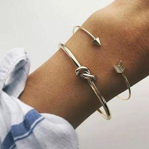 Jewelry - 🆕 Gold 2 Piece Bracelet Bangle Set